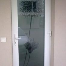 Dekoratyvinė plėvelė durų stiklui
