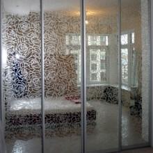 Dekoras iš plėvelės ant veidrodžių