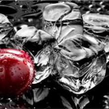 337. Virtuvinis stiklas tarp  spinteliu